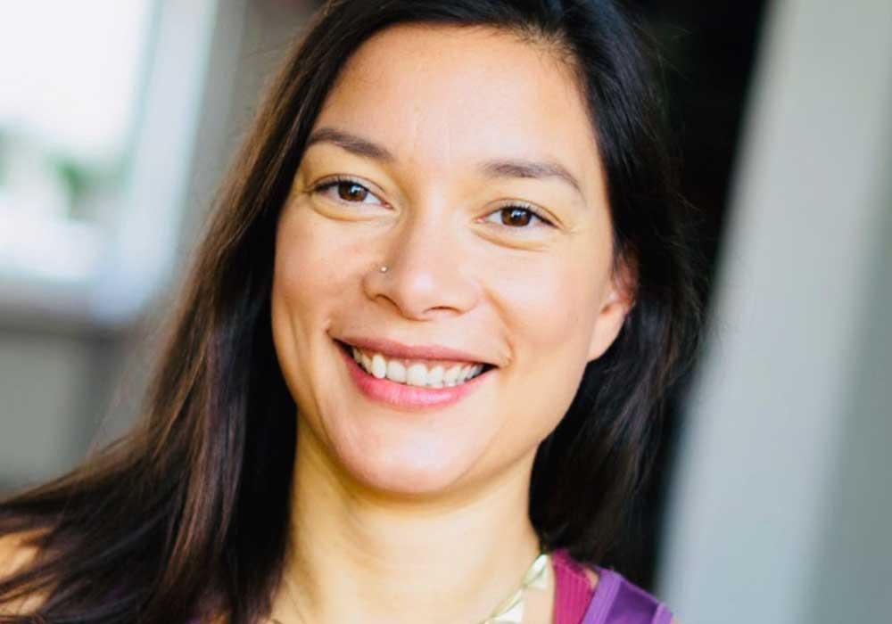 Alisa Maas Yogalehrerin yogafürdich