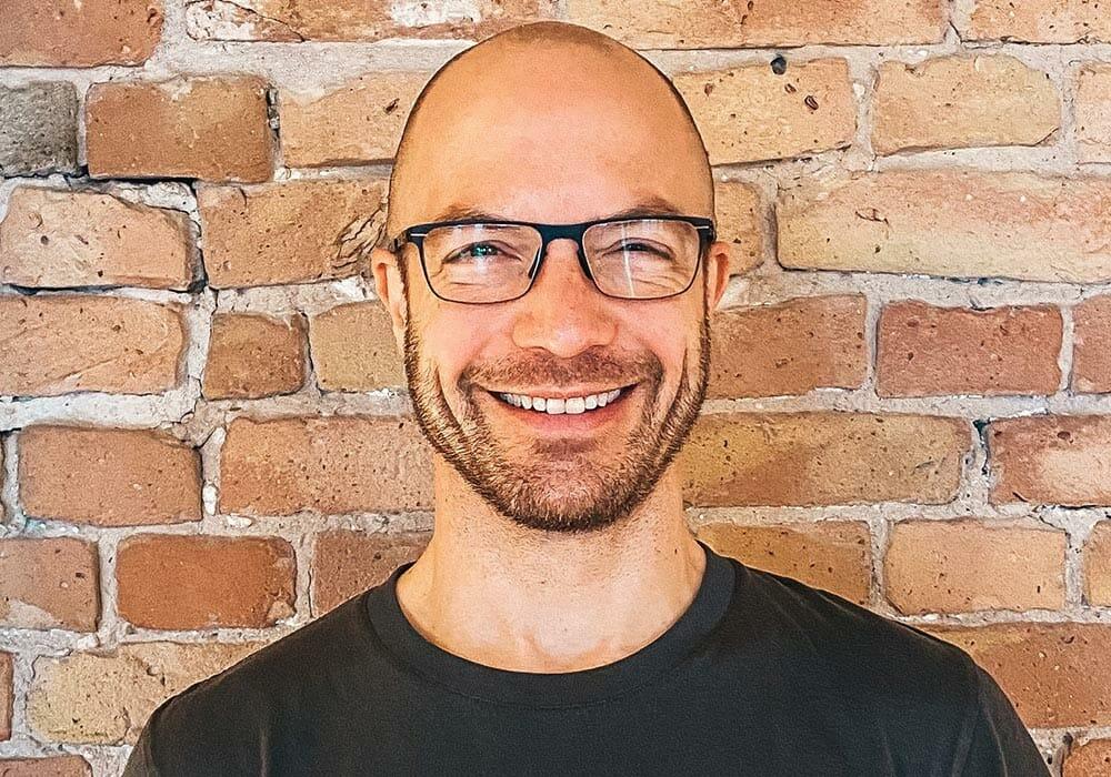 Nando Eiden yogalehrer bei yogafürdich Berlin